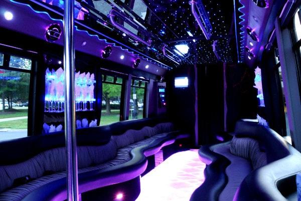 party bus despedidas de solteros en quito